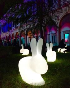 Qeeboo Rabbit lamp klein outdoor led