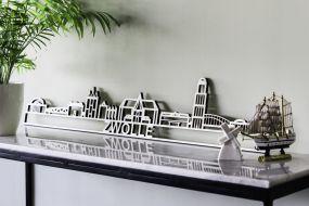 City shapes Skyline Zwolle populierenhout met tekst 130 cm