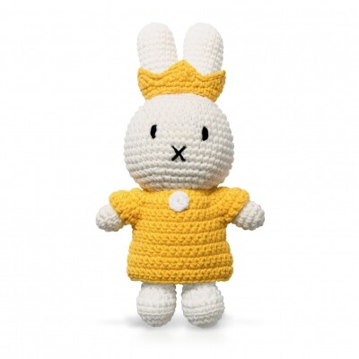 Nijntje handmade gehaakt en haar gele koninginneset