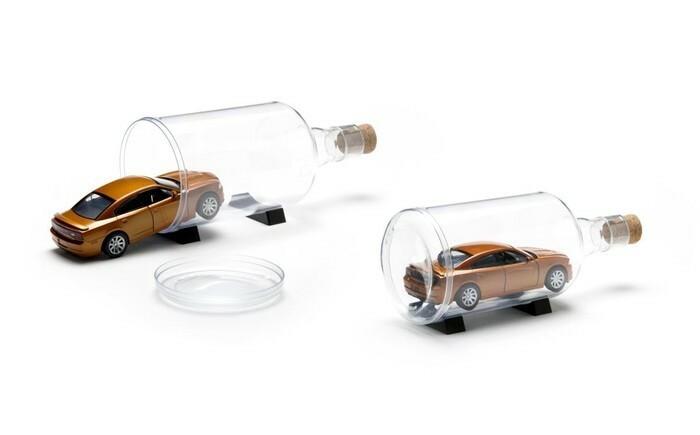 Design Rvs Keukenaccessoires : Impossible bottle Peleg design