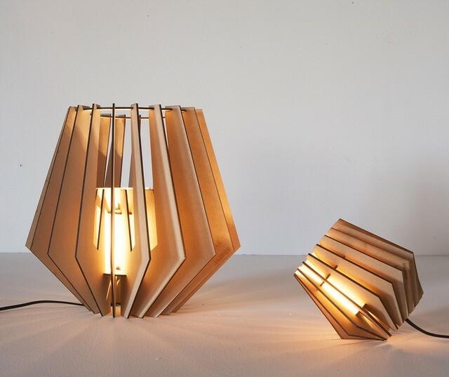 tjalle en jasper spotnik vloerlamp. Black Bedroom Furniture Sets. Home Design Ideas